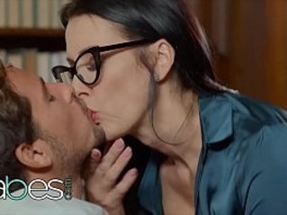 Step Mom Lessons Reagan Foxx, Tyler Nixon, Mackenzie Moss Whispers In The Library BABES