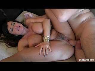 LiveGonzo Lisa Ann Pussy gets Fucked Mature Beauty