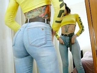 Huge Bubble Butt Puffy Cameltoe Tattoo Babe Squirts