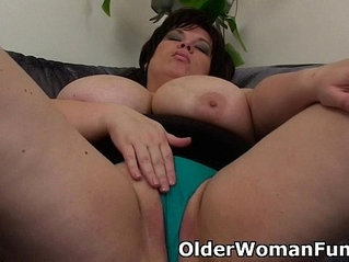 BBW mom having solo masturbation with dildo