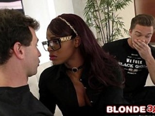 White Delivery Boys Take Turns Using Bored Black Wifes Wet Mouth Jasmine Webb