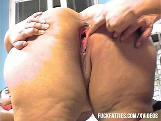 Fat Lady Gets Cock Fucking In The Kitchen